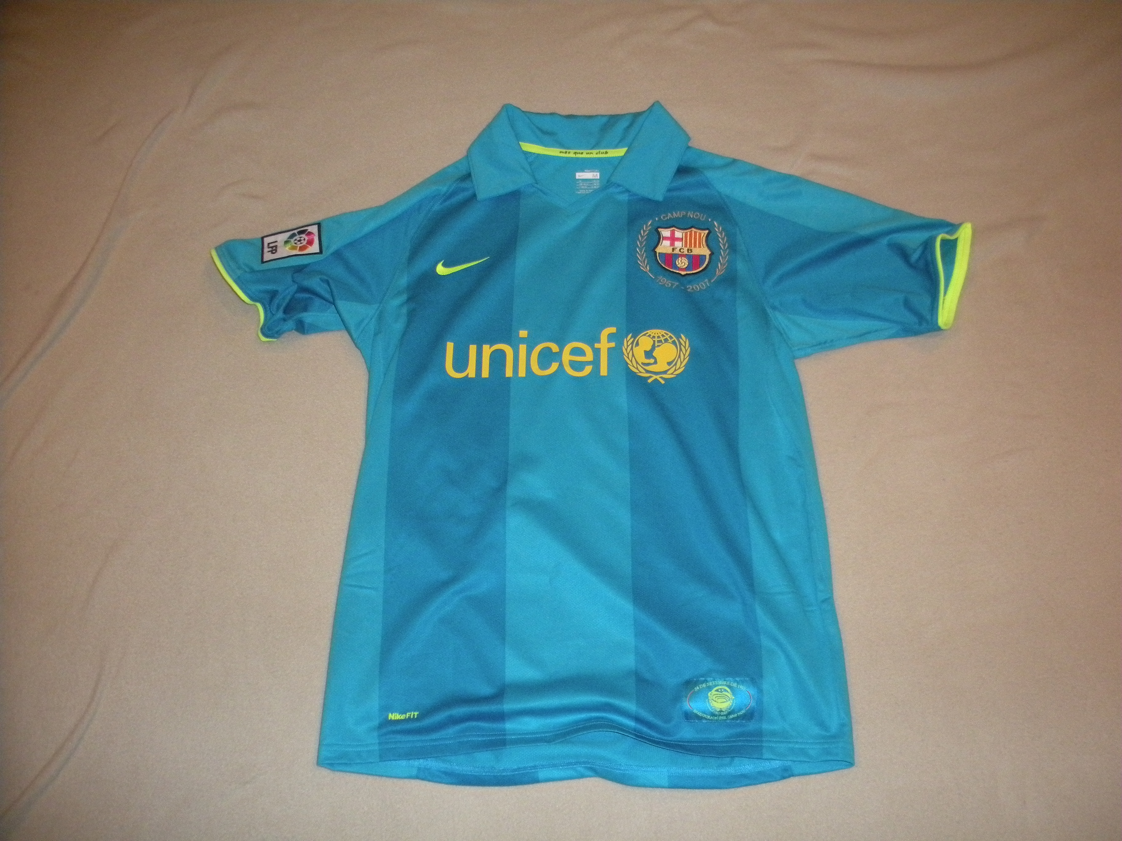 Reports: FC Barcelona Close To €1 Billion Kit Deal | www ...